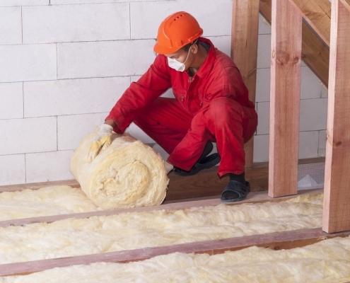 loft-insulation-man